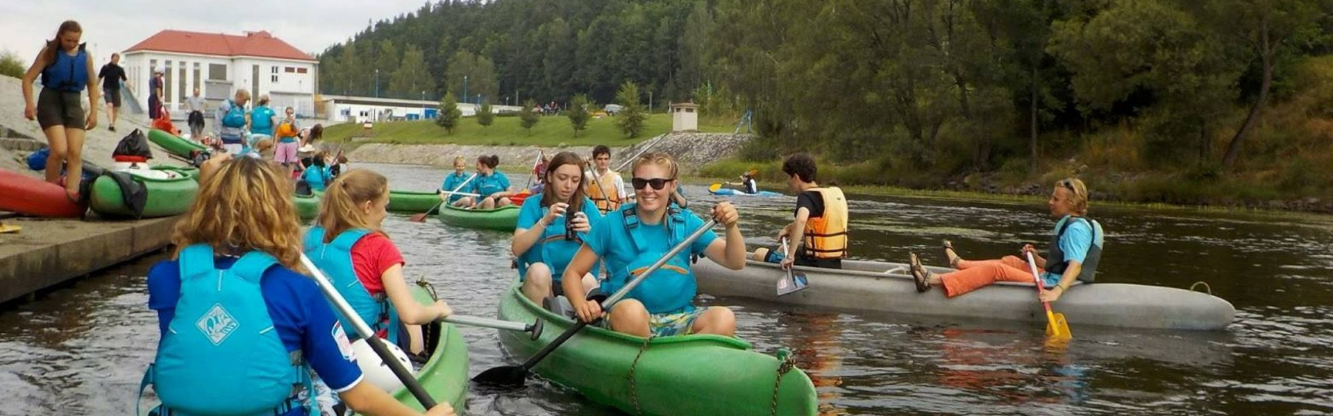 IC CUNI: Vltava Canoeing Trip